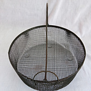 Primitive Country Locking Bail Handle Wire Basket Farm