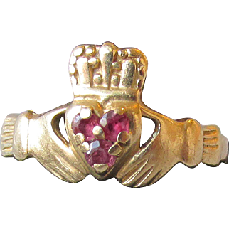 14k Gold & Ruby Irish Claddagh Vintage Ring, Size 6