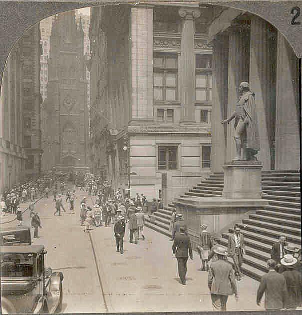 c1920 New York City Wall Street Real Photo Stereo View - Looking West Along Wall Street From Broad Street - Trinity Church - U.S. Sub-Treasury Building - Site of Washington's Inauguration as President - 1920s Car Traffic - Keystone View