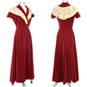 Vintage 50s Circle-Skirted Red Velvet Dressing Gown w/Lace Collar XS/S