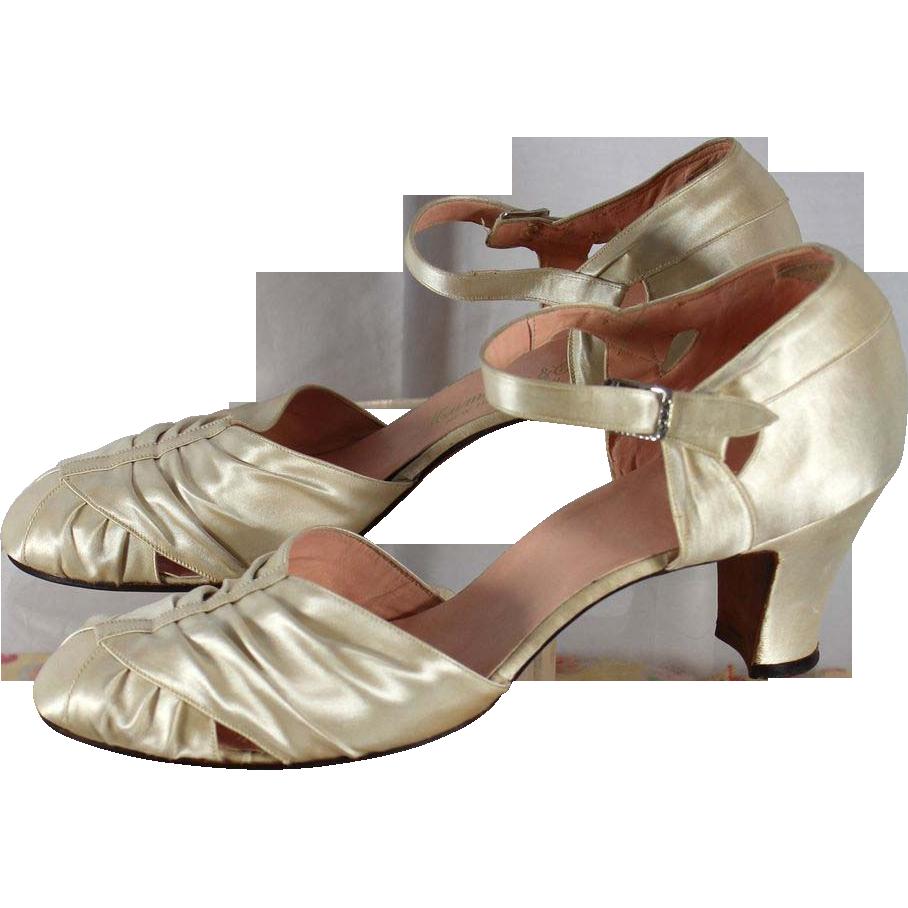 Vintage 1930s Ivory Satin Wedding or Evening Shoes 7.5N