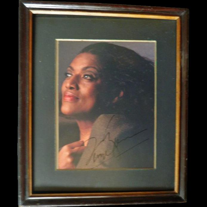 Joan Sutherland Autograph