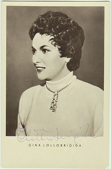 Gina Lollobrigida Autograph, hand signed, early. CoA