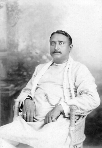 1912: Portrait Photo of an Indian gentleman