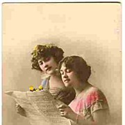 1916: Tinted Photo-Postcard: 2 Girls singing