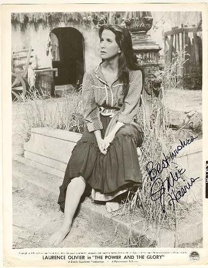 Julie Harris Autograph: b/w 8 x 10 Photo with authentic signature. CoA