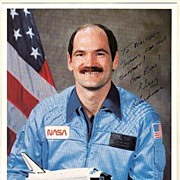 Astronaut Guy S. Gardner Autograph on 8 x 10 Photo. CoA