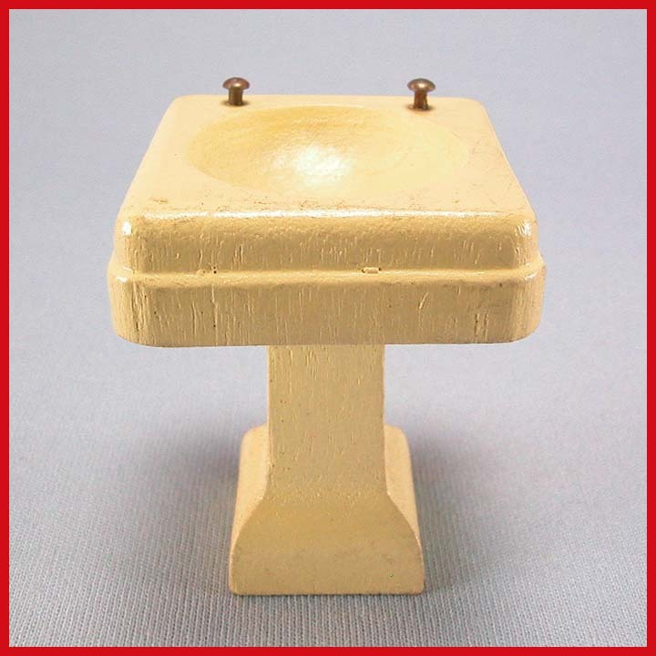 "Strombecker Dollhouse Bathroom Pedestal Sink with Nail Head Knobs – Cream 1934 3/4"" Scale"