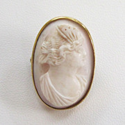SALE 14K Yellow Gold Coral Cameo Brooch/Pin