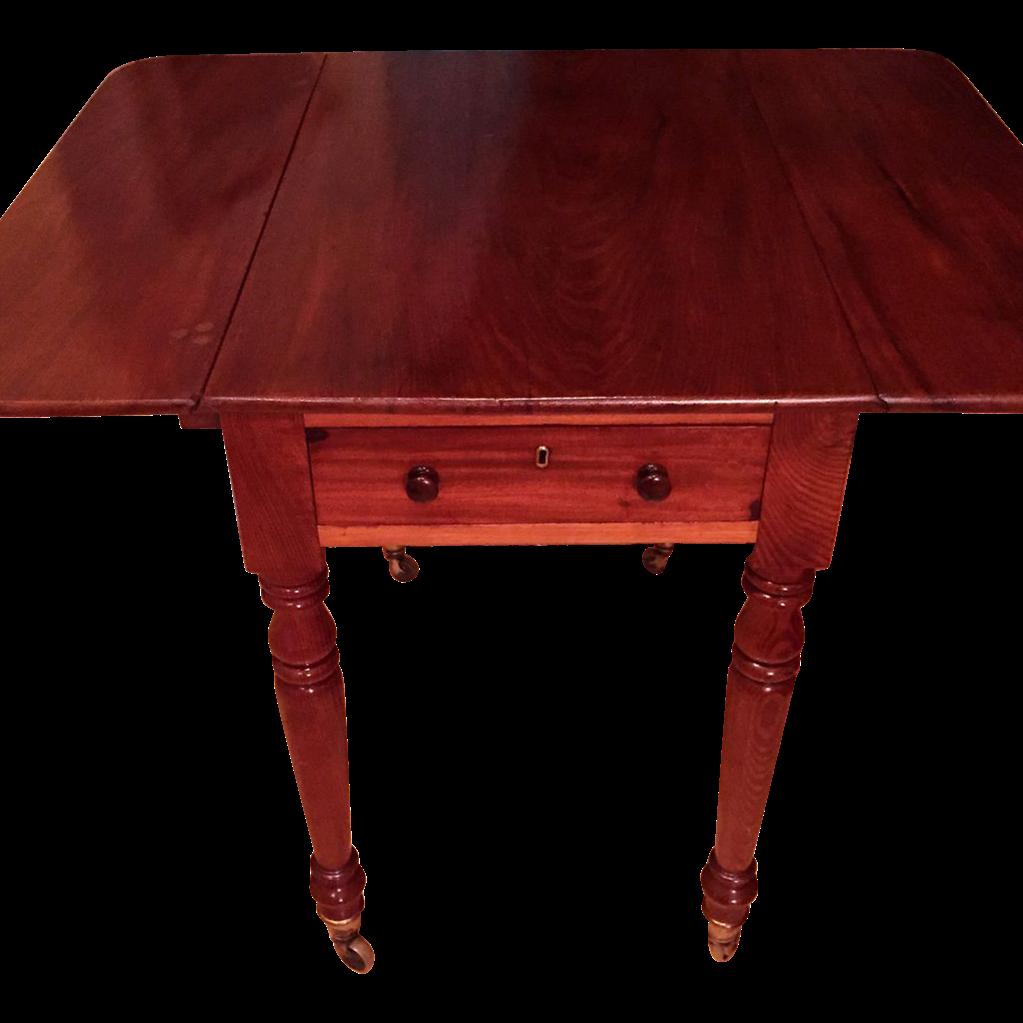 American Federal Period Sheraton Antique Pembroke Table Circa 1790