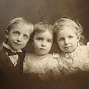Three Absolute Cuties  Cabinet Photo of Cincinnati Kids