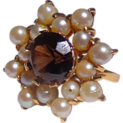 Estate Ladies 18 ct. Gold Pearl & Topaz Ring