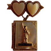 MOP Statue of Liberty Lovers Photo Locket Pin Brooch  c.1940's