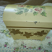SOLD Charming hand ptd hinged box, 1940s-50s