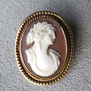 10k Gold Shell Cameo Pendant / Pin