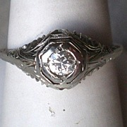 Gorgeous 18k White Gold Diamond Filigree Ring