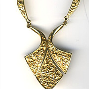 TRIFARI Vintage Goldtone Textured Scalloped Chain Necklace