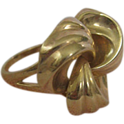 10 Karat Yellow Gold Victorian Lovers' Knot Ring