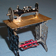 Tiny Vintage Dollhouse Doll Miniature Painted Metal Sewing Machine