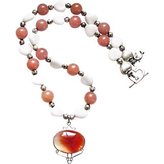 Stone White and Brown Heart Bead Necklace