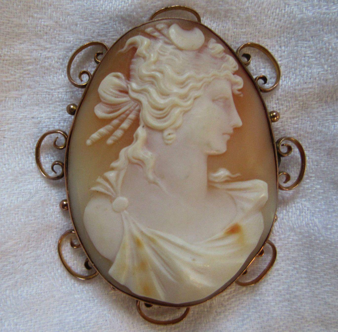 Huge Carved Shell Cameo Brooch 9K Gold Victorian Jewelry