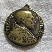 Pope Pius XII Mater Divini Amoris Mother Of Divine Love Medal
