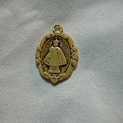 Old Celluloid Or Ivorine Jesus Infant Of Prague Medal