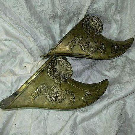 Pair Old Brass Conquistador Stirrups