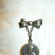 Old Reliquary St Vincent De Paul With Medal