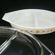 Covered Town & Country Pyrex Divided 1- ½ Quart Server