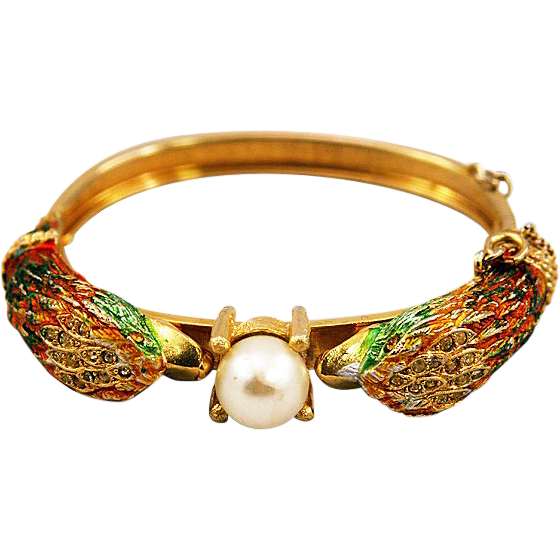 Extraordinary Swan Hinged Bracelet with Brilliant Enameling