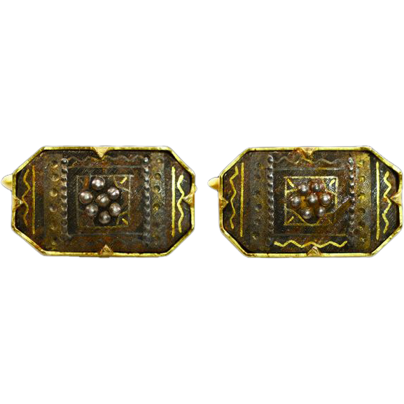 Extremely Elegant Very Old Damascene Bar-and-Chain Cuff Links