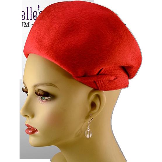 Classic Elsa Schiaparelli Shocking Pink Beaver Fur Hat with Original Box