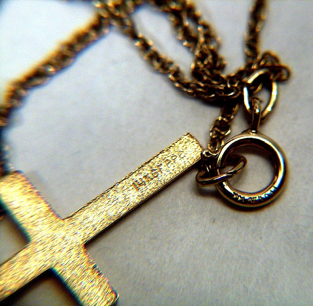Vintage Signed Ppc 14k Gold Filled Engraved Cross Pendant