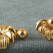SALE Estate 14K Gold Shell Earrings