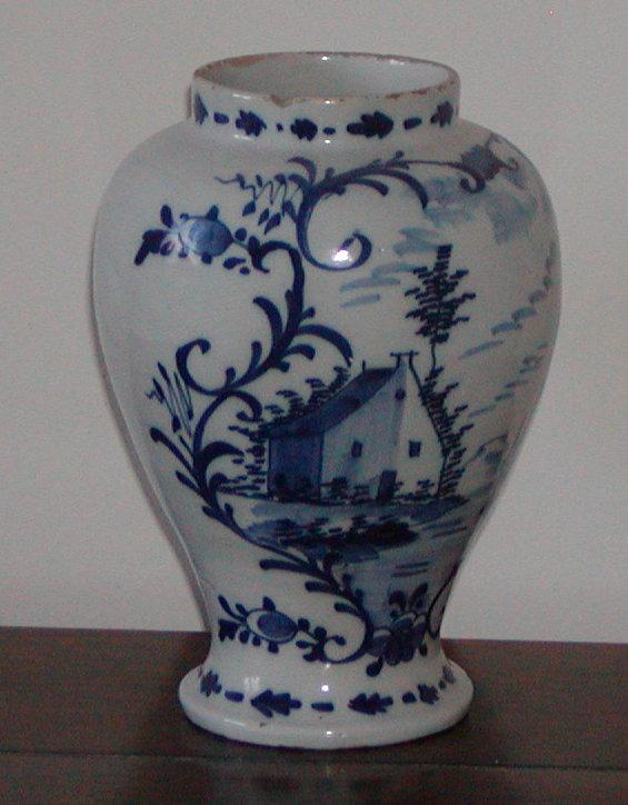 Delft vase.
