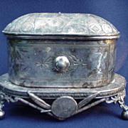 Wilcox Quadruple Plate Cask on Stand, Aesthetic Period Design