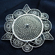 Vintage Filigree Silver Tone Metal Wire Pin