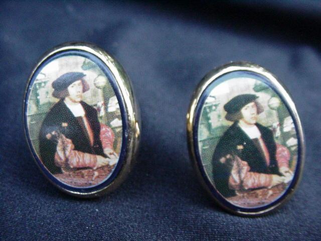 Vintage Cuff Links w Portrait of a Renaissance Man in Goldtone Frame