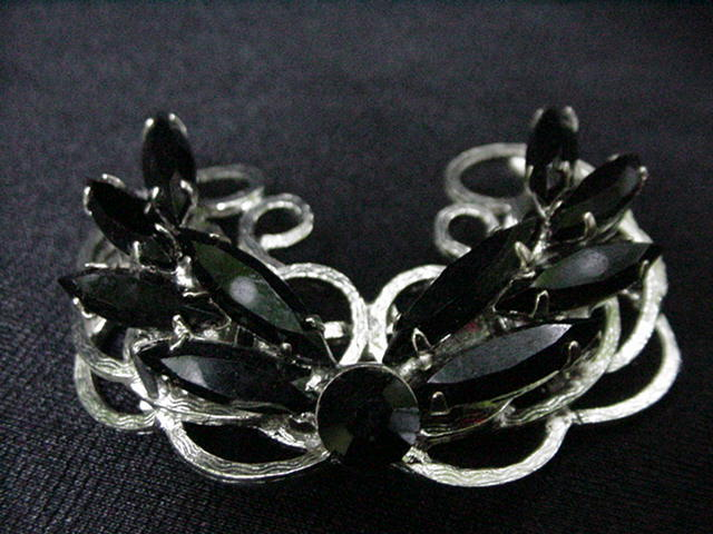Vintage Silvertone Pin with Black Faceted Round and Leaf-shaped Stones