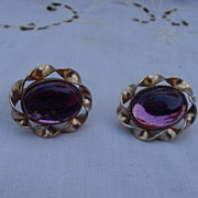 Lang Earrings w Amethyst Colored Stone, Gold-Tone Setting