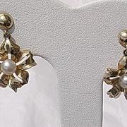 14kt Culture Pearl Floral Dangle Vintage Earrings