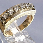 14kt Vintage Multi Diamond Ladies Stylish Sporty Ring