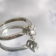 14kt White Gold Vintage Diamond Solitaire Ladies Engagement Ring