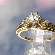14kt Vintage Multi Diamond Ladies Engagement Ring
