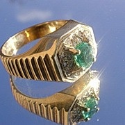 14kt Vintage Tropical Green Emerald/Gleaming Diamonds Unisex Ring