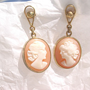 14kt Carved Shell Cameo of Two Ladies Dangle Earrings