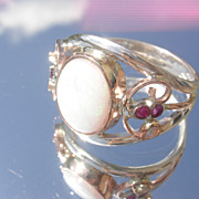 Sterling/9kt Exquisite Opal/Ruby Ladies Ring