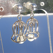 14-10 kt White Gold Bell Shaped Dangle Culture Pearl Earrings
