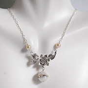Wedding Necklace- Wedding Jewelry- Bridal Jewelry-Fresh Water Pearl And Flower pendant Necklace-June Birthstone